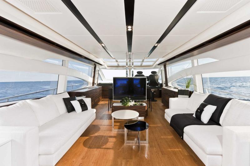 Absolute 70 Sport Yacht (2010)