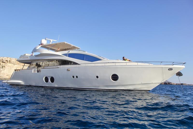 Aicon 85 Fly Motor-Yacht (2007)