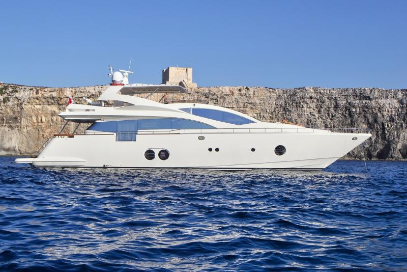 Aicon 85 Fly Motor-Yacht (2007)