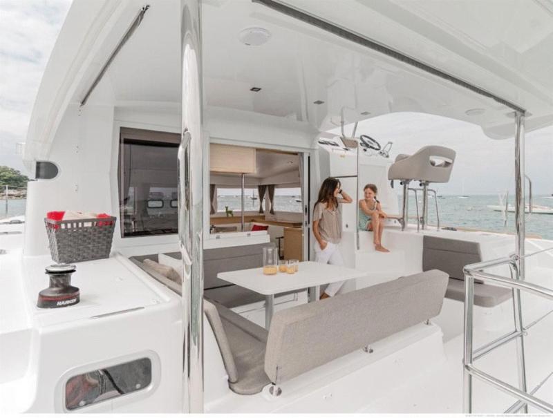 Lagoon 40 Motor Yacht