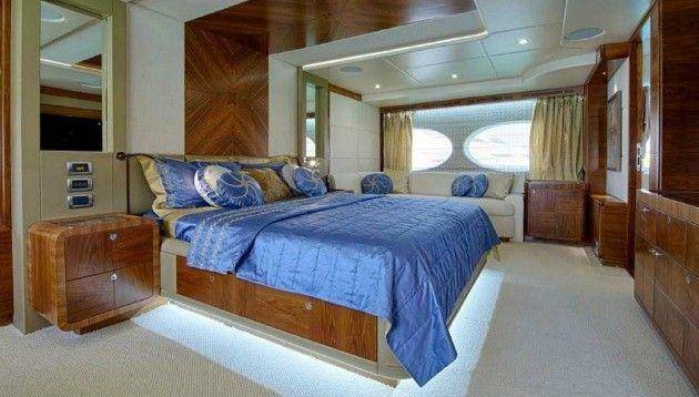 Majesty Yachts 105 (2013)