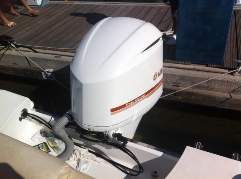 Sessa Marine Key Largo  27 (2011)