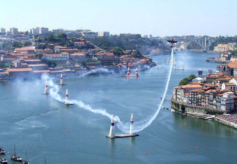 Event Yacht Charters: Red Bull Air Race in Cannes in April 2018!