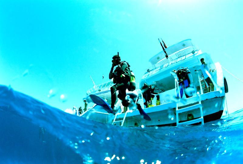 Чартер яхт: Круизы к лучшим местам для дайвинга на западном Средиземноморье