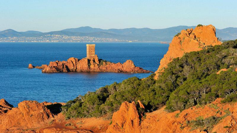 Cote d'Azur Yacht Charters: Discover 12 Beautiful Islands of the South of France