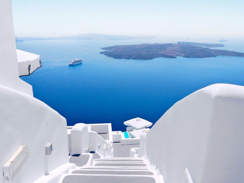 Yacht Charters in the Cyclades Archipelago - Renting a Boat in the Aegean Sea
