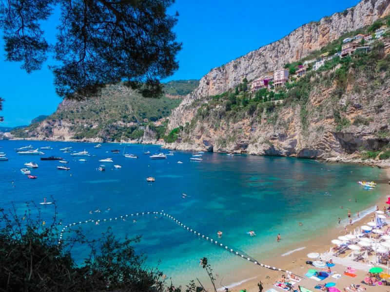 Day-Charters on the Cote d'Azur – Plan a Day-Trip to our Famous Beach Clubs