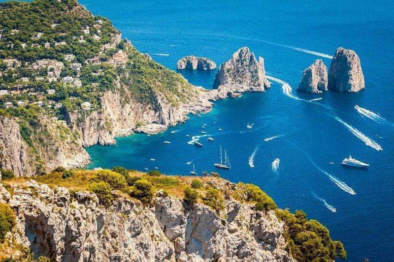 Аренда яхт на островах Неаполитанского залива