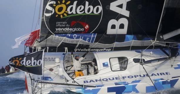 Armel LE CLEAC'H sur Banque Populaire remporte de Vendée Globe en établissant le record de l'épreuve
