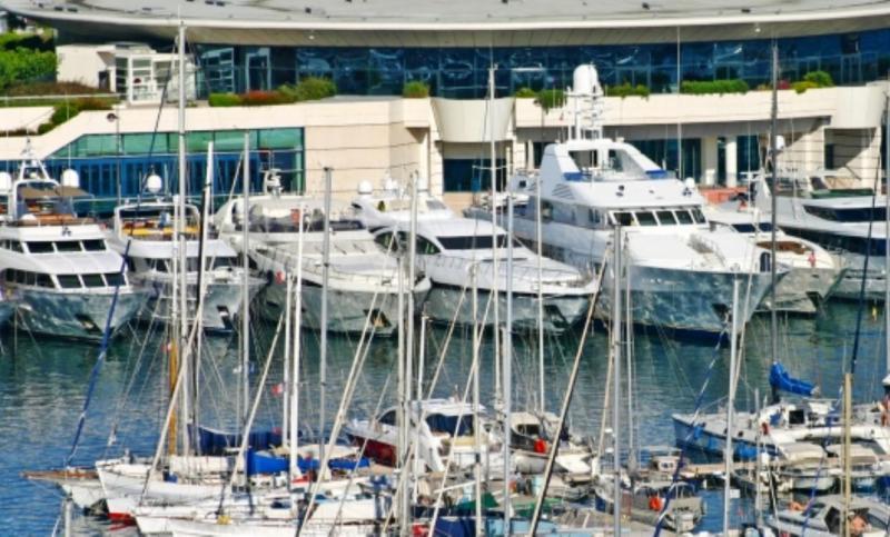 Locations Événementielles de Yachts en Automne à Cannes - Expositions Côte d'Azur