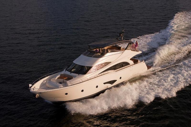 Yachts Invest annonce la participation de Marquis et Carver Yachts au Cannes Yachting Festival 2015
