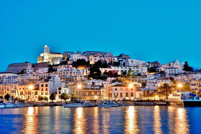 Yacht charters Balearic islands: Ibiza and Mallorca
