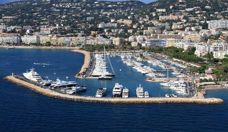 Стоянки и причалы в порту: окончание срока Концессии частных портов на Французской ривьере