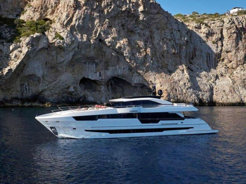 Astondoa 110 Century Super-yachts Mis à l'Eau par le Chantier Naval Espagnol