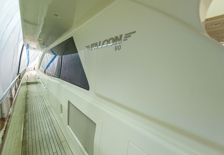 Falcon 90 (2010)