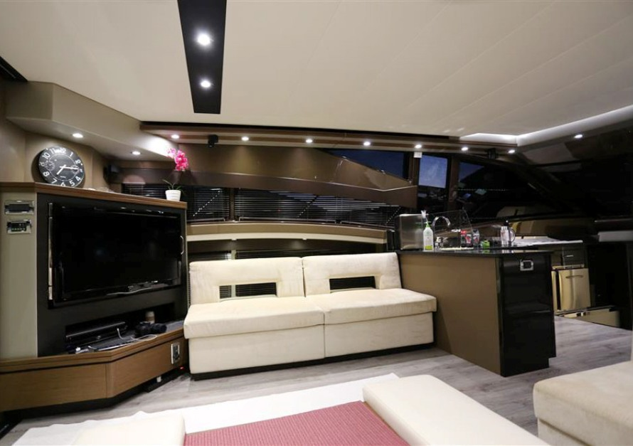 Marquis 630 Sport Yacht (2013)