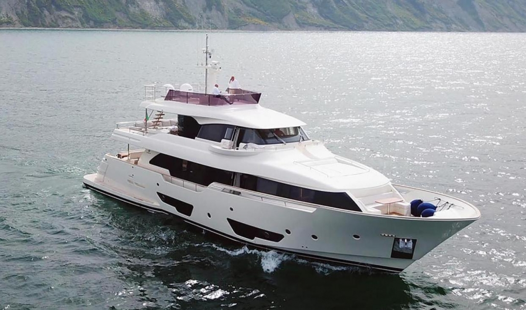 Custom Line Navetta 28 (2015)