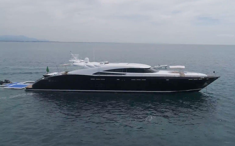 AB Yachts 140 (2007)