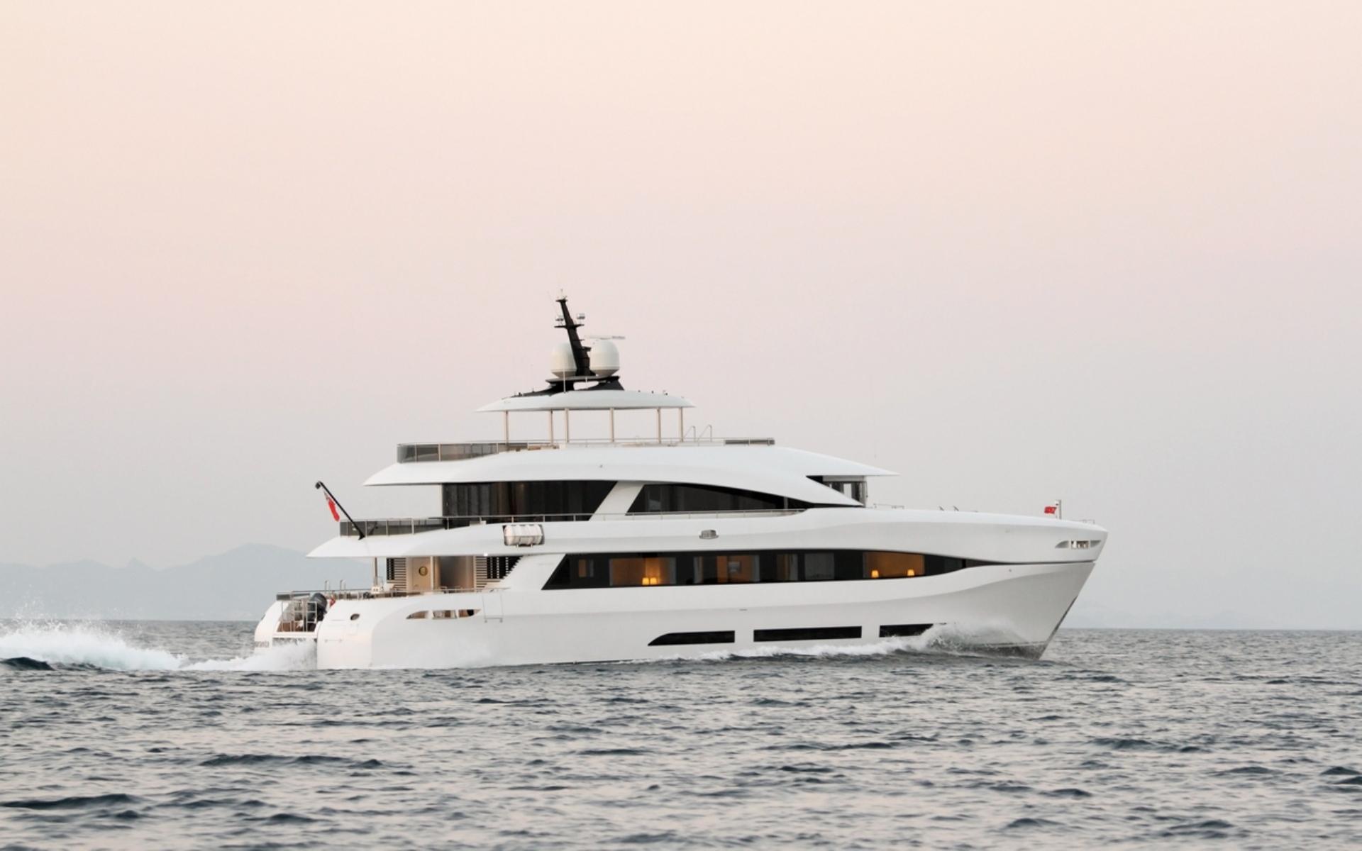 Curvelle Quaranta 34M Maxi Power Catamaran