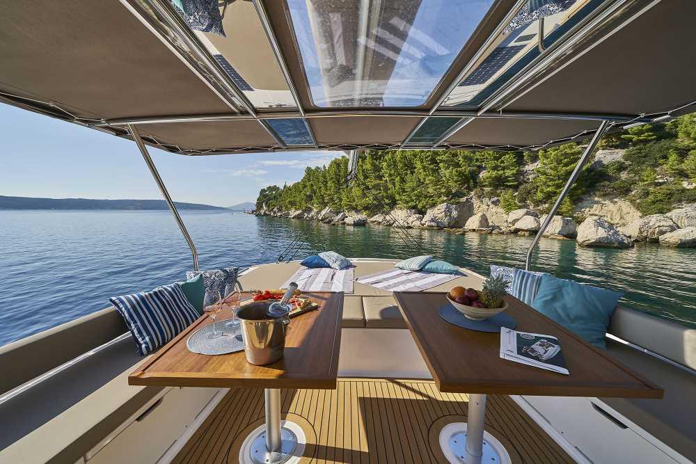 Bali 5.4 Open Space Sailing Catamaran (2019)