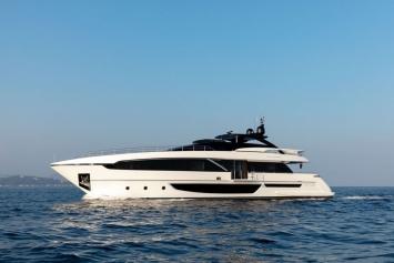 Riva 100 Corsaro Yacht pour Charter (2018)